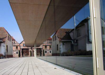 Voller Durchblick - Ganzglasfassade am Dorfgemeinschaftshaus Dirmstein - 2014 - Bau Eins Architekten, Kaiserslautern